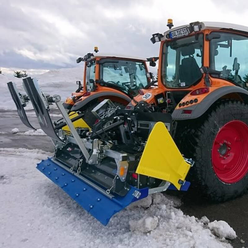 Nordic tiller  LF240m with snow wings used